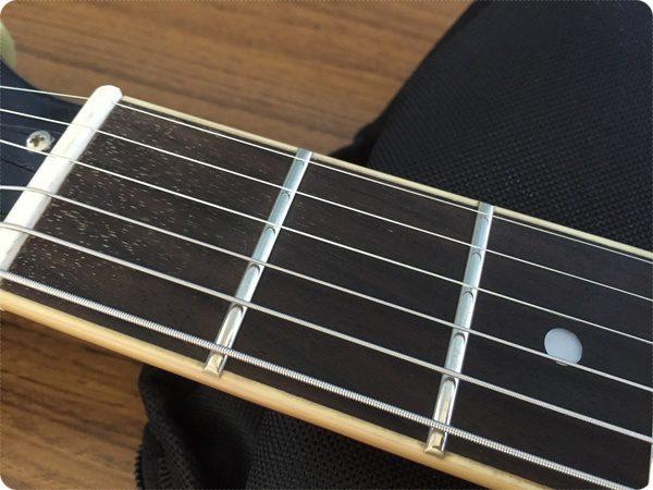 星野源 使用ギター